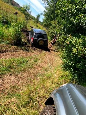 Вытащить машину из грязи помощь